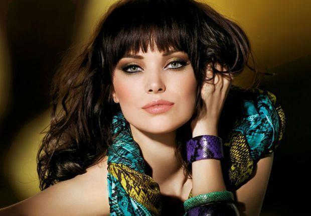Visage de mode - Brune yeux bleus ...
